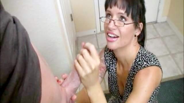 Skillful tattooed milf gets cumshot in her glasses