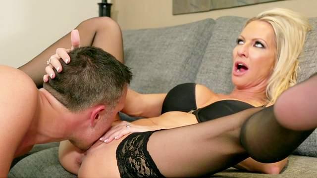 Milf blonde Emma Starr fuck with Keiran Lee