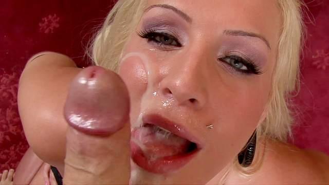 Amateur blonde Sadie Swede gets big dick in mouth