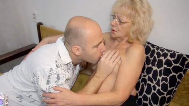 Granny Evan fuck with a bald fucker