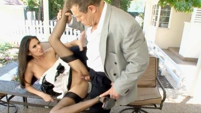Jay Huntington is licking pussy of Nikki Daniels