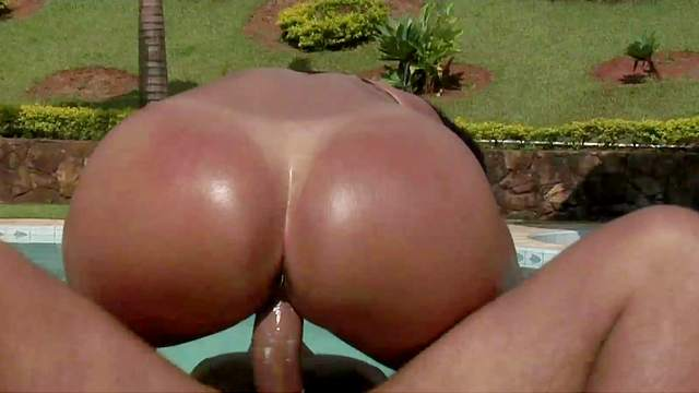 Assy Latina Darlene fucks in her juicy ass