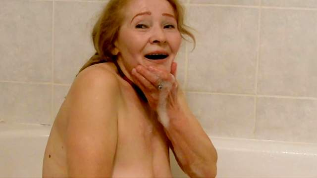 Fat amateur granny Sofia is sucking a dick