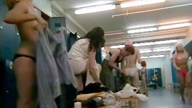 Dressing room, Hidden cam, MILF, Undressing, Voyeur