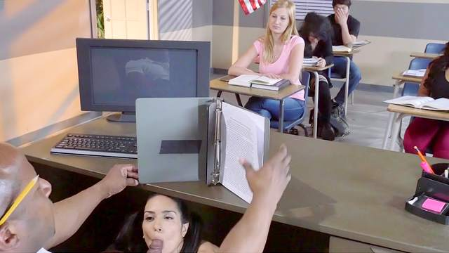 Tia Cyrus enjoys black teacher down her needy pussy