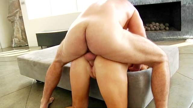 Huge hardcore home sex with mature Reagan Foxx