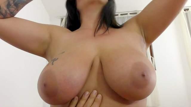 Anissa Jolie