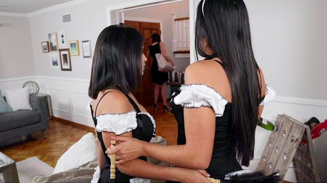 Sultry maids Karlee Grey and LaSirena69 hook up in style