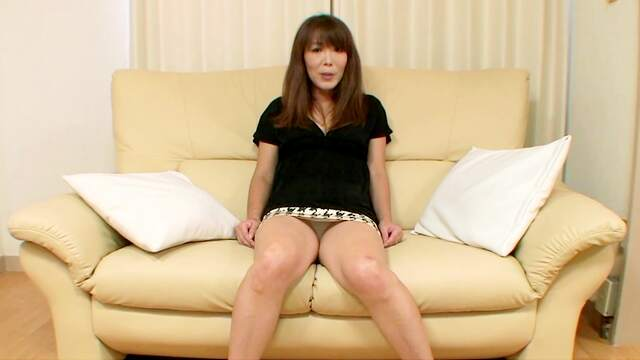 Dazzling Japanese mature in flawless cam XXX