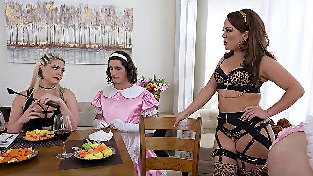 MILFs provide top orgy in kinky role play