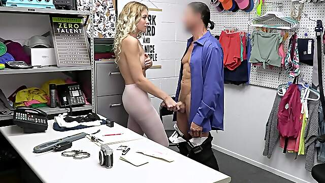 Deep sexual action for shoplifter with nice ass
