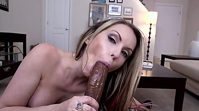 MILF gets her dose of happiness from a BBC