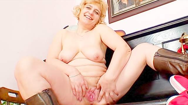 Blonde, Mature, Mom, Natural tits, Panties, Shaved pussy, Short hair, Solo girl