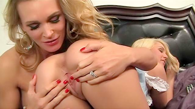 Young blonde lesbian in lingerie seduces blonde