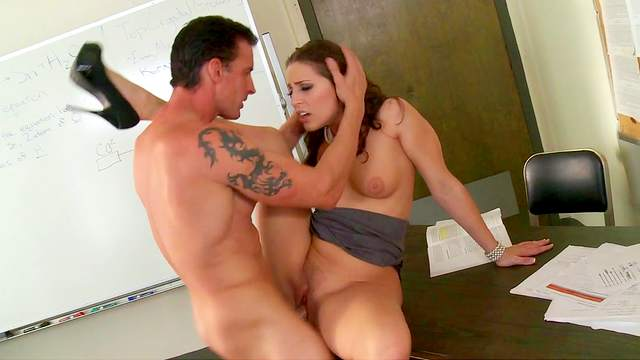 Gracie Glam is fucking with her nee teacher
