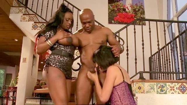 Jada Fire, Roxanne Hall